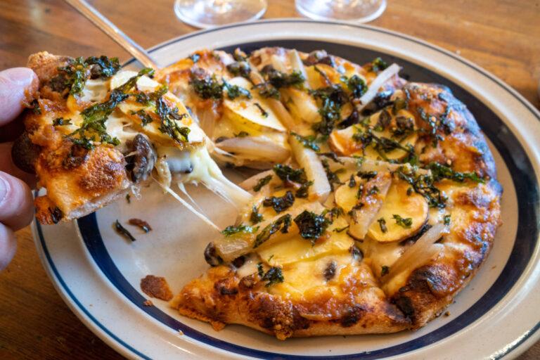 〈望月のパンと,ピザ家 the OK bread & pizza〉