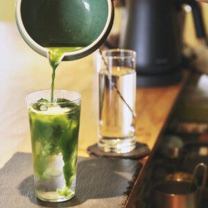 お茶割りなど親しみやすいドリンクが多いのもYellowの魅力。