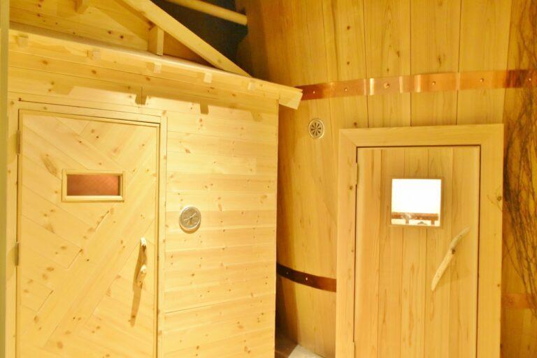 木製のサウナ小屋や桶の形をしたサウナなど、外見も個性的で楽しい。