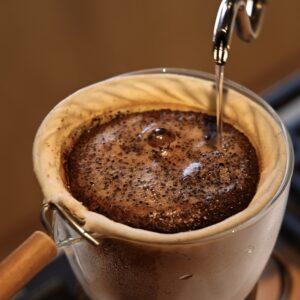 〈ブルーボトルコーヒー 京都カフェ〉