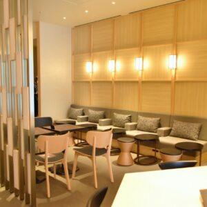 「Ichié・Lounge (いちえ・ラウンジ)」は、宿泊者以外利用できるラウンジになっています。 ■営業時間(外来) 8:00~21:00 ※宿泊者は、24時間利用可。