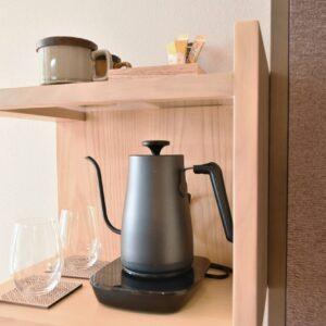 ちょうど良い温度に沸かせるケトルも各部屋に設置。