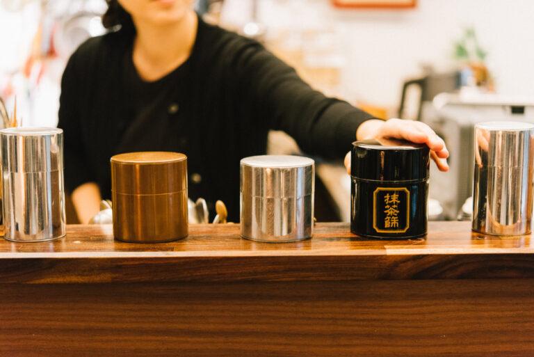 日本のお茶文化を知りたい人は、奈緒子さんに聞くのが正解!台湾では珍しい「釡炒り茶」を提供。