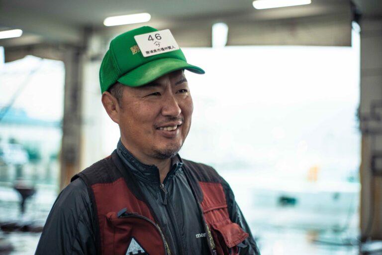〈ヤマサ 𦚰口水産〉代表取締役・𦚰口(わきぐち)光太郎さん