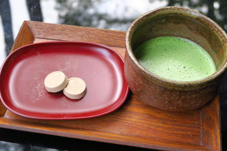 「麦こがしの落雁と静岡抹茶のセット」