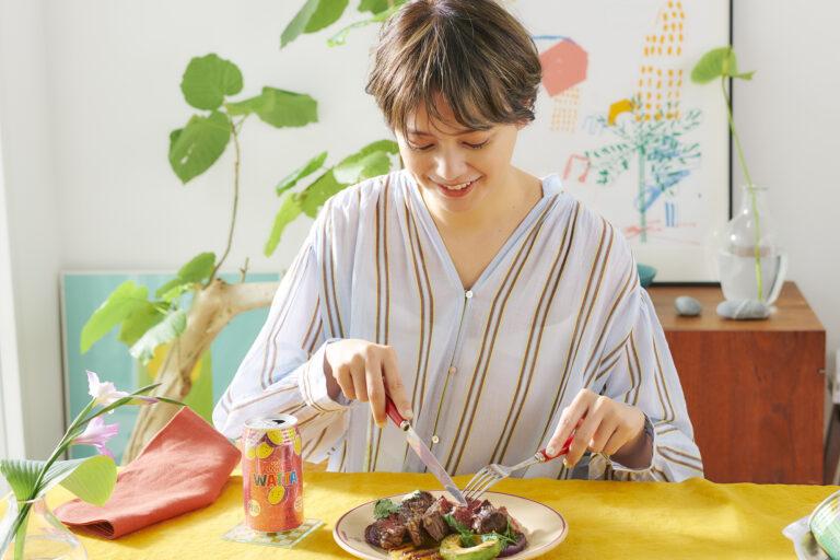 「お肉とパイナップルの甘じょっぱさもやみつきです」(岸本さん)。