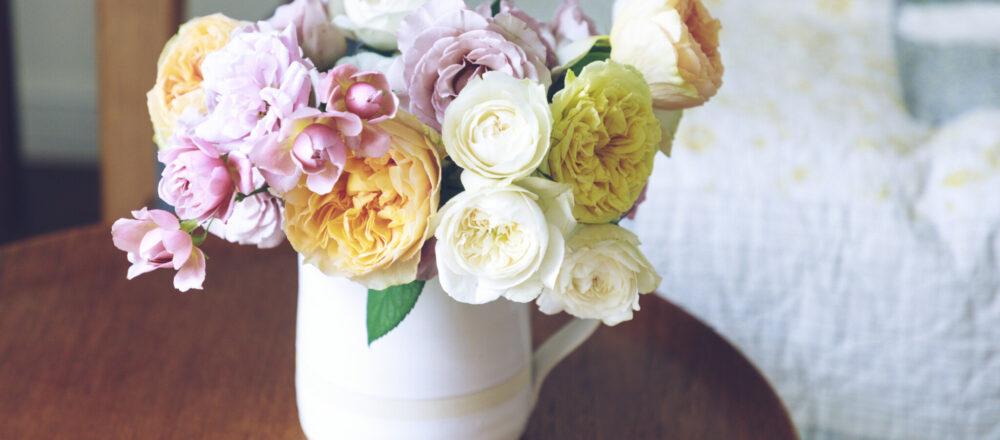 【基本】バラの生け方&お手入れの方法。季節のバラを普段使いでたのしもう。