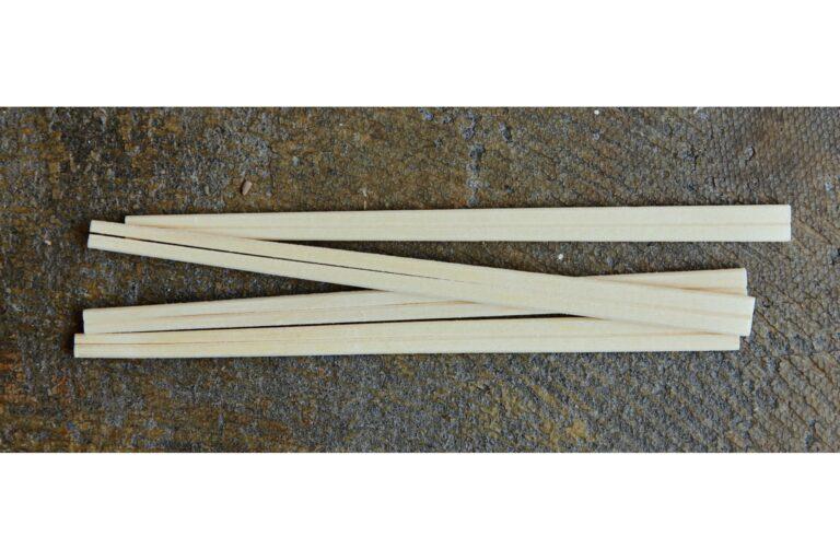 模様をつける角材は割り箸でも。