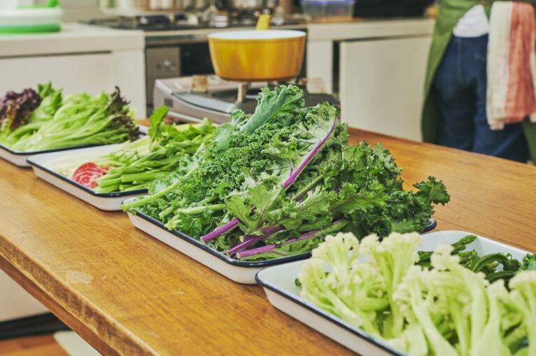 ラディッシュ、ビーツ、ケールなど旬の野菜がずらり。日によってめずらしい品種があるかも!?