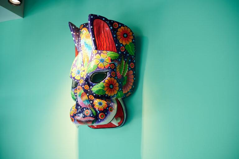 色鮮やかでメキシカンムードが漂う店内。