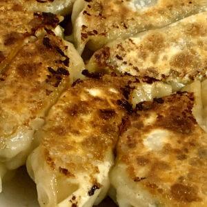 漬物を入れるのがポイント!おうちで作れる焼き餃子レシピ。〜徳成祐衣の果てしなくギョーザな日々〜