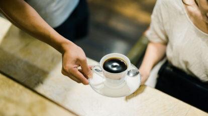 台湾でコーヒーといえば「マンバコーヒー」を指していた。今、飲めるのは昔ながらのお店に限られている。