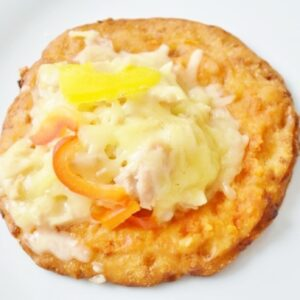 自家製のサラダチキンをたっぷりトッピング。カロリーを抑えたいけど食べごたえを感じたい人に最適。