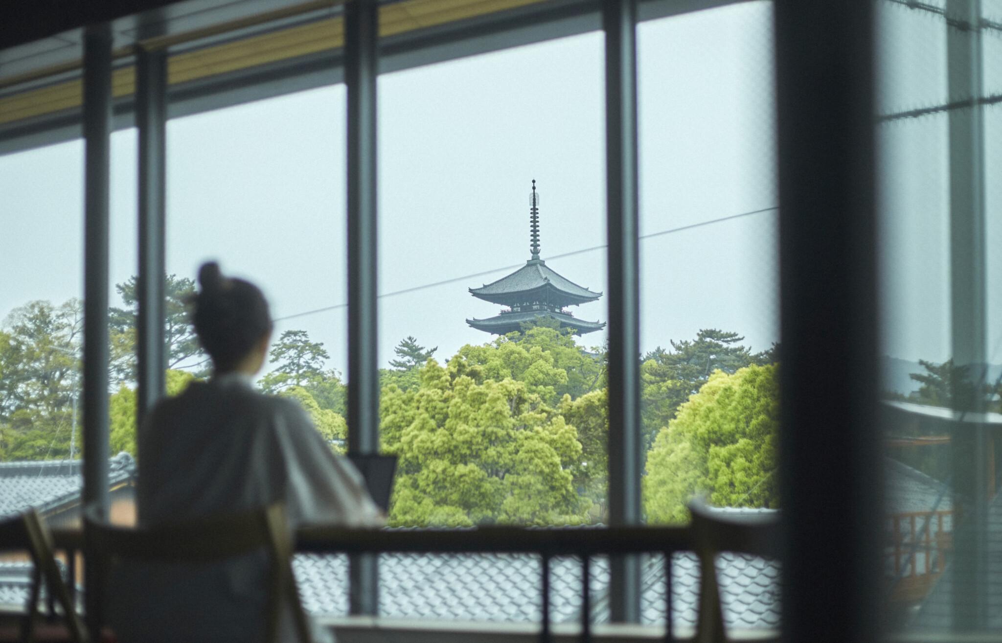 〈中川政七商店〉初の商業施設が奈良にオープン。未来へと日本の工芸をつなぐ、〈鹿猿狐ビルヂング〉の挑戦。