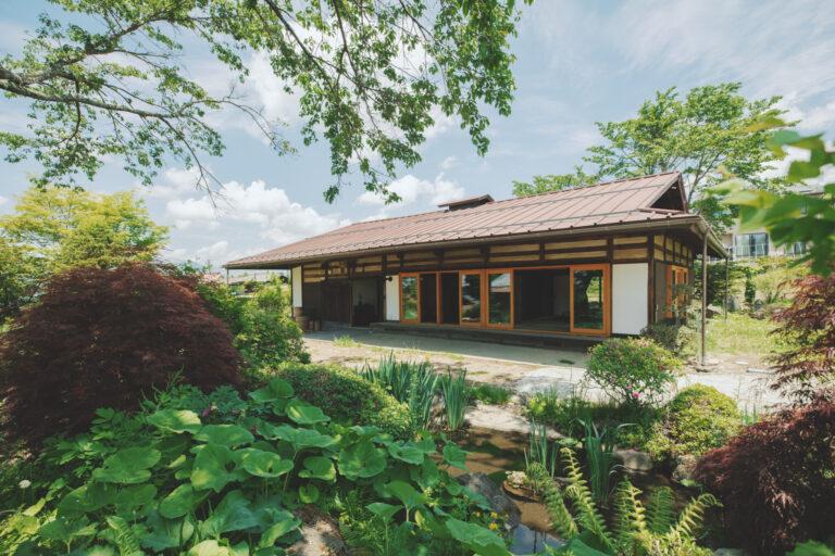 宿は八ヶ岳山麓に立つ、長野県茅野市の山浦集落に。