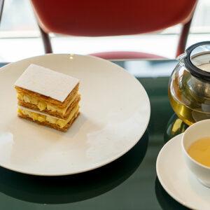 紅茶類はドイツの〈ロンネフェルト〉がポットでサーブされます。