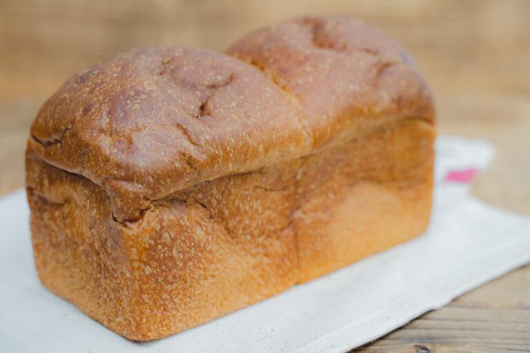 セット外の「リッチ食パン」は+540円にて注文可能。