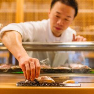 若狭湾の海の幸を味わう、鮨ディナーコース付きプラン1名17,700円~。