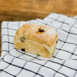「白ぶどうパン」。