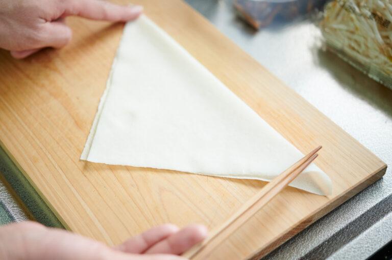 【POINT】三角に折って…。
