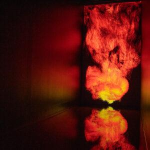 「憑依する炎 / Universe of Fire Particles」