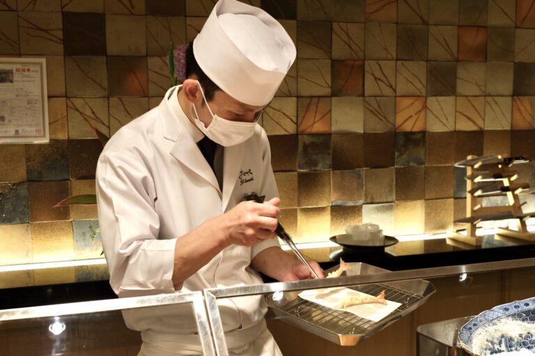 「新感覚食べ比べコース」1名15,000円、2名28,000円。