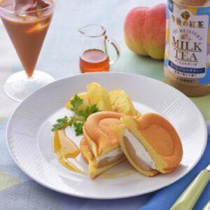「スフレワッフル」と桃のデザート~ハチミツ添え~♪ ※!一歳未満の乳児にハチミツは食べさせないでください。