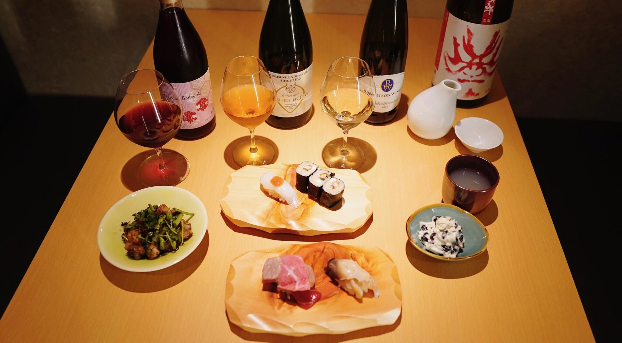 """カジュアルに""""カウンター寿司デビュー""""!〈寿司とワイン サンチャモニカ〉が三軒茶屋にオープン。"""