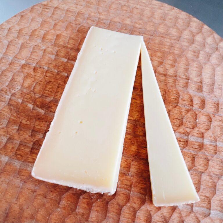 〈チーズ工房チカプ〉