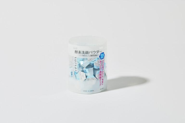 定番の酵素洗顔パウダー。使うたび、明るい肌に整う。スイサイ ビューティクリア パウダーウォッシュN 0.4g×32個 1,980円※編集部調べ(カネボウ化粧品)。