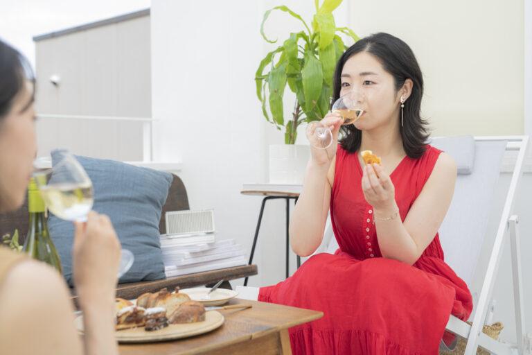 「チーズパンの干しえびと白ワインが合う!やはり海鮮系と相性がいいんですね」(藤田さん)。