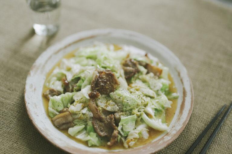 シシ肉とキャベツの炒め物
