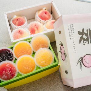 「山梨県産白桃とフルーツのジュレ詰め合せ」5,000円(送料無料)。