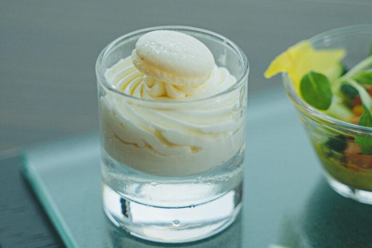 「エルダーフラワーゼリー ホワイトチョコレートクリーム」。