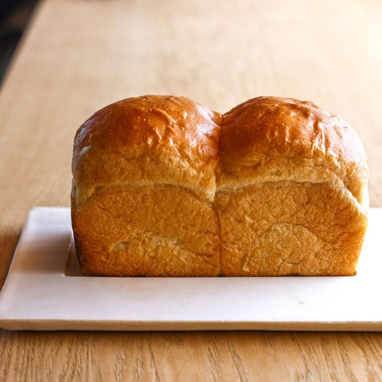「焼き立て蔵だし食パン」1,320円