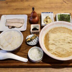 「栗」単品950円、定食1,100円。