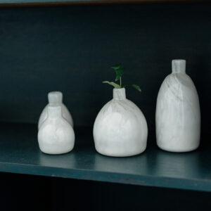 お茶のほかには台湾の作家さんが手がけた器が飾られている。台湾はただいま、陶芸ブームでもある。