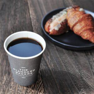 〈THE STANDARD BAKERS TOKYO〉は1日1回、コーヒーSサイズが1杯受け取れる。(月4,400円)
