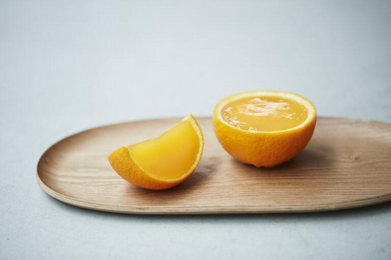 6月に誕生した新作・オレンジゼリー。海藻由来の凝固剤・アガーを使った柔らかな口どけ!