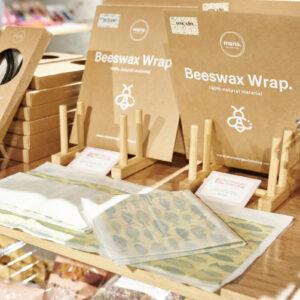 〈mana.ORGANIC LIVING〉の「Beeswax Wrap.」。沖縄のブランドで、プラスチックフリーを目指しています。