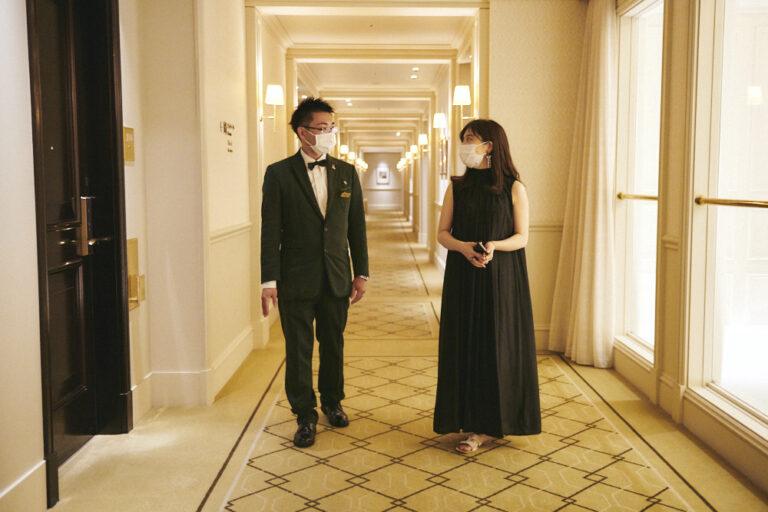廊下は階によって天井の高さが違うため、それぞれ違う雰囲気を楽しむことができる。