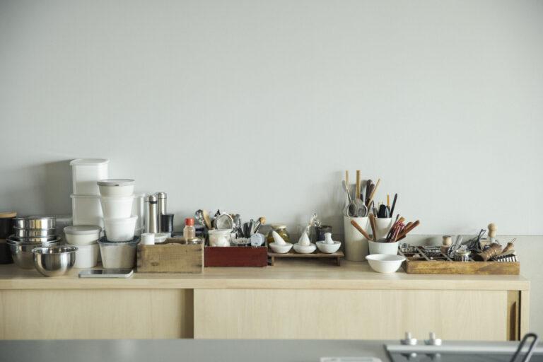 器や道具は夫婦で少しずつ集めた作家物が中心。