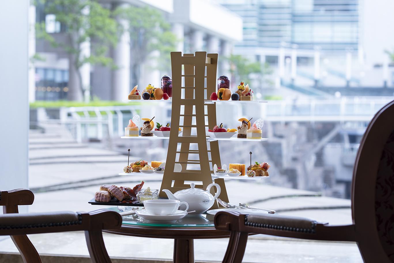 〈横浜ロイヤルパークホテル〉の新アフタヌーンティーを実食。