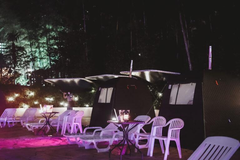 貸し切りのテント型サウナ。