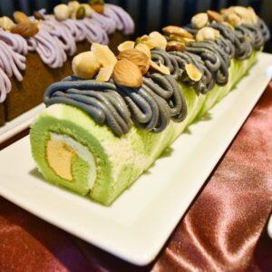 メロンロールケーキ。