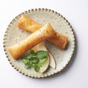 具はチーズ&りんごだけ!できたてアップルパイ風「幸とりんごの揚げ春巻き」レシピ