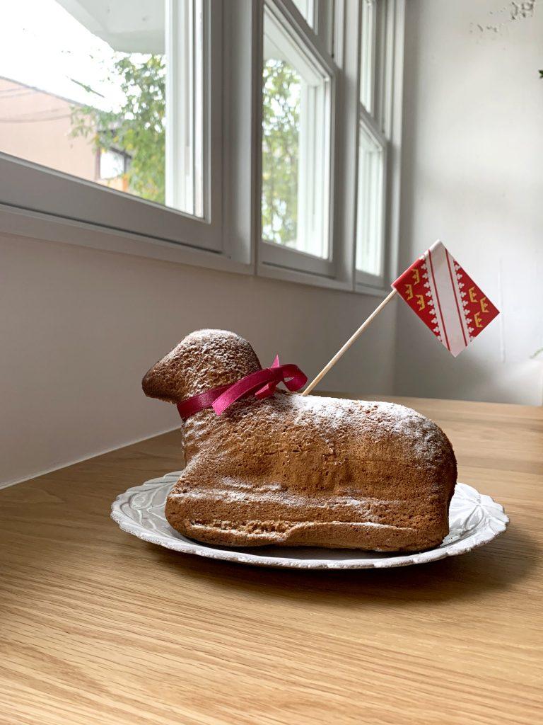 羊型のお菓子「アニョー・パスカル」3,800円