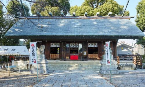 「このあたりでは一番大きな神社で氏神さま。旧暦の8月7日に境内で行われるイベントに毎年出店してコーヒーを販売しています」と寺内さん。「初詣にも毎年行きます。所沢では知らない人はいない場所ですね」。