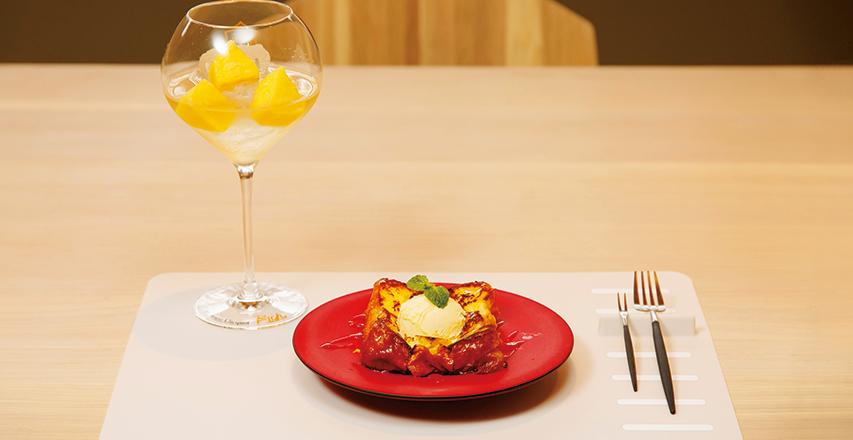 甜點搭配日本酒,意外的新鮮享用方式。