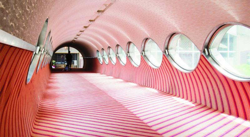 重新發現經典!靜岡的藝術旅店〈鳩屋飯店〉,浴池、空間等各處細節皆賞心悅目。